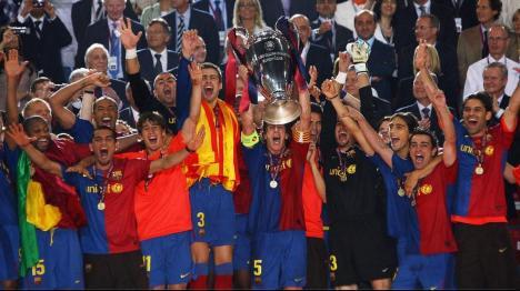 2008/2009 UEFA Champions League Winner - FC Barcelona - Puyol(captain of Barcelona) lift the trophy