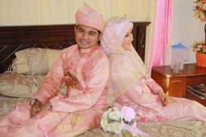 <i>Just married..</i>
